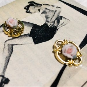 Antique earrings, Golden base and pink rose